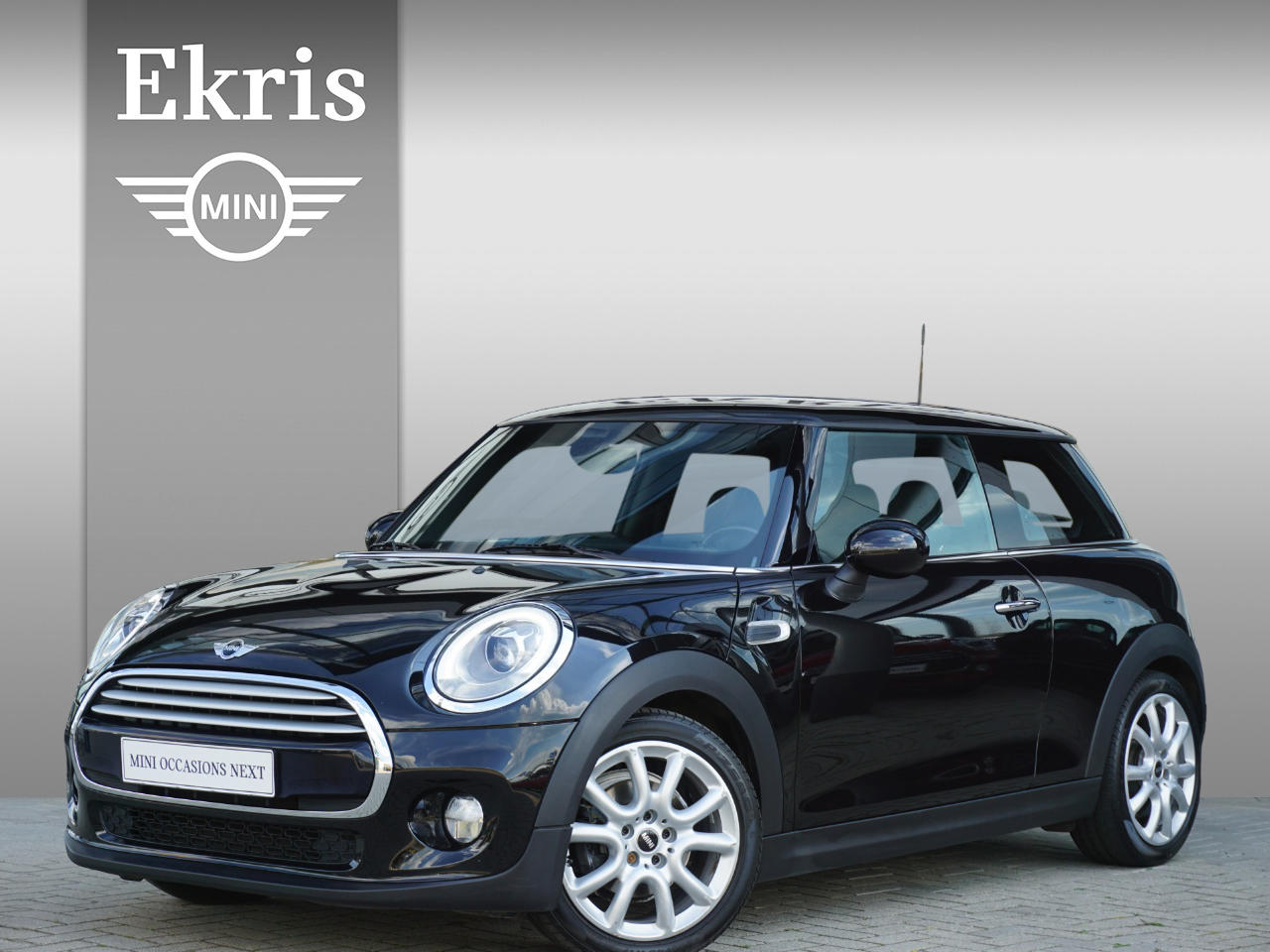 Mini 3-deurs Cooper aut. business + airco + pdc