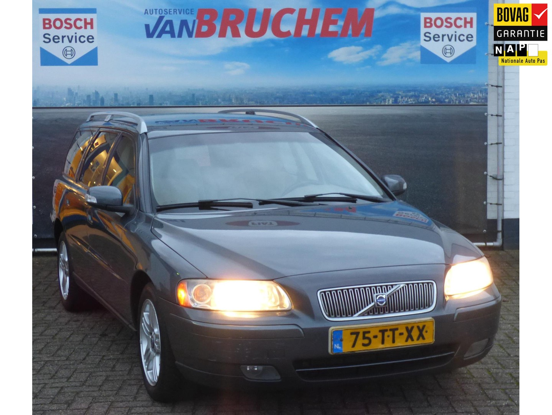 "Volvo V70 2.4d 5 cil. 163pk edition, trekhaak tot 1800kg !, 16"" lm, clima, 6 bak , dakrails, a-spoiler, consignatieverkoop"