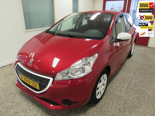 Peugeot 208 1.0 vti access red and white edition