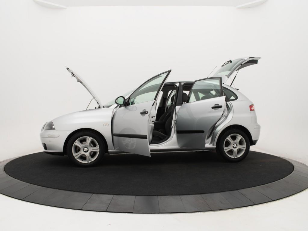 SEAT Ibiza 1.4-16V 75PK STELLA 5DRS *CLIMATE CONTROL!* *AUTOMAAT!* *LICHTMETALEN VELGEN!* *NETTO DEAL!* *RIJKLAAR PRIJS!*