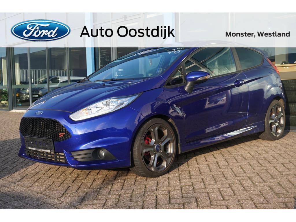 Ford Fiesta 1.6 ecoboost 182pk st2 navi climate recaro voorruitverwarming parkeersensoren cruise control *nieuw staat*