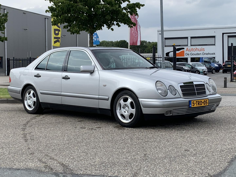 Mercedes-benz E-klasse 200 classic nette, goed rijdende en schakelende mercedes e200 automaat