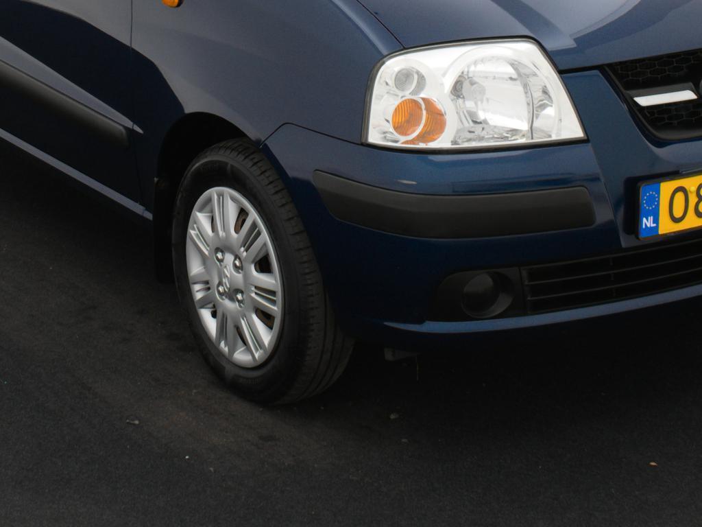 Hyundai Atos 1.1i Active Young STUURBEKR. * CENTRALE VERGR. * RIJKLAARPRIJS * NETTO DEAL